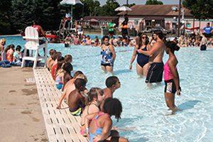 World's Largest Swim Lesson @ Gwynn Family Aquatic Center | Peoria | Illinois | United States